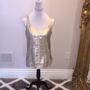 Tory Burch - Gold pattern top w/ feather edge